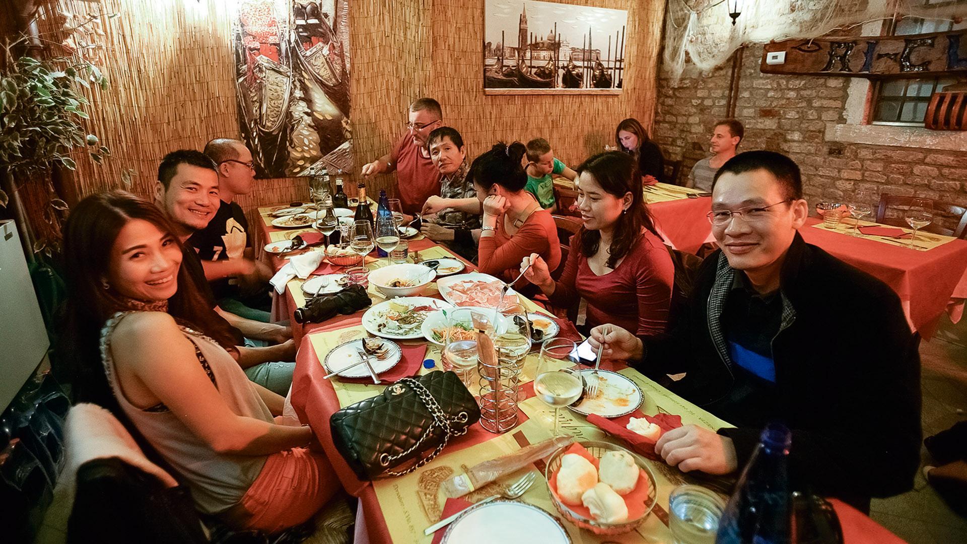 Unterwegs mit neun Vietnamesen