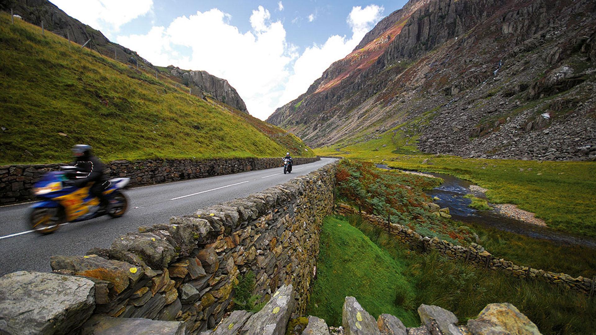 Croeso I Cymru - Welcome to Wales
